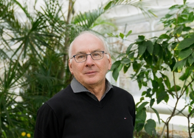 "I spoke to Professor Paul Hebert, the ""grandfather of DNA barcoding"", on his attempt to classify all muticellular life"